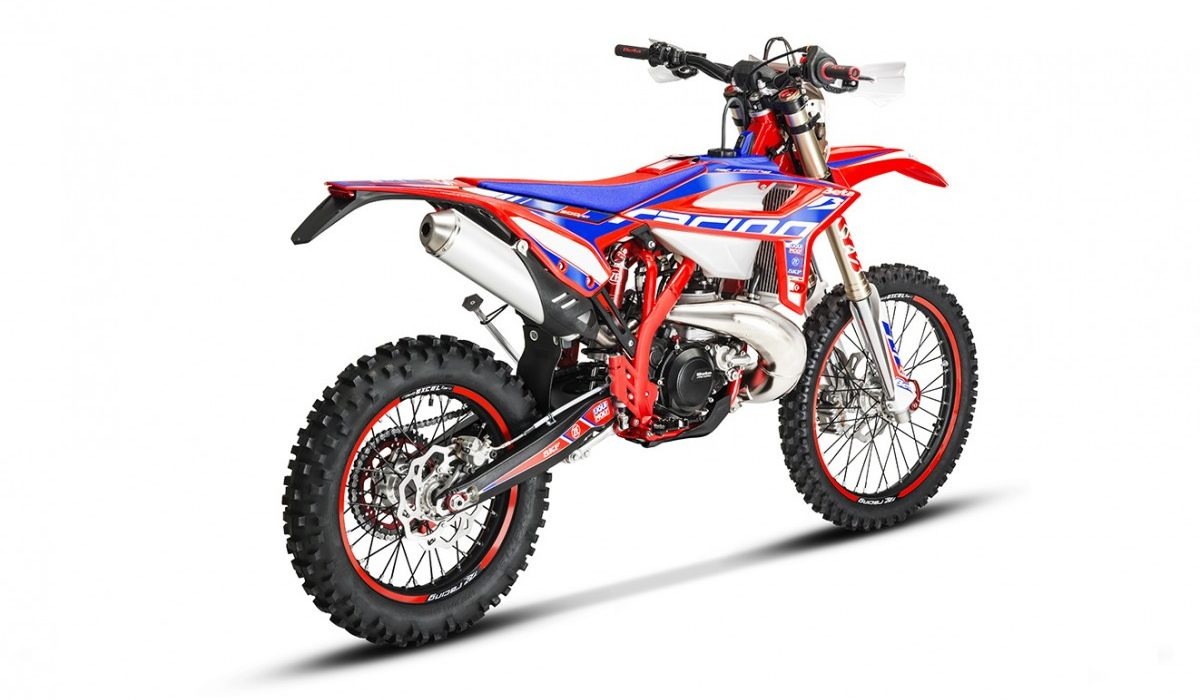 Racing-3002T-rear